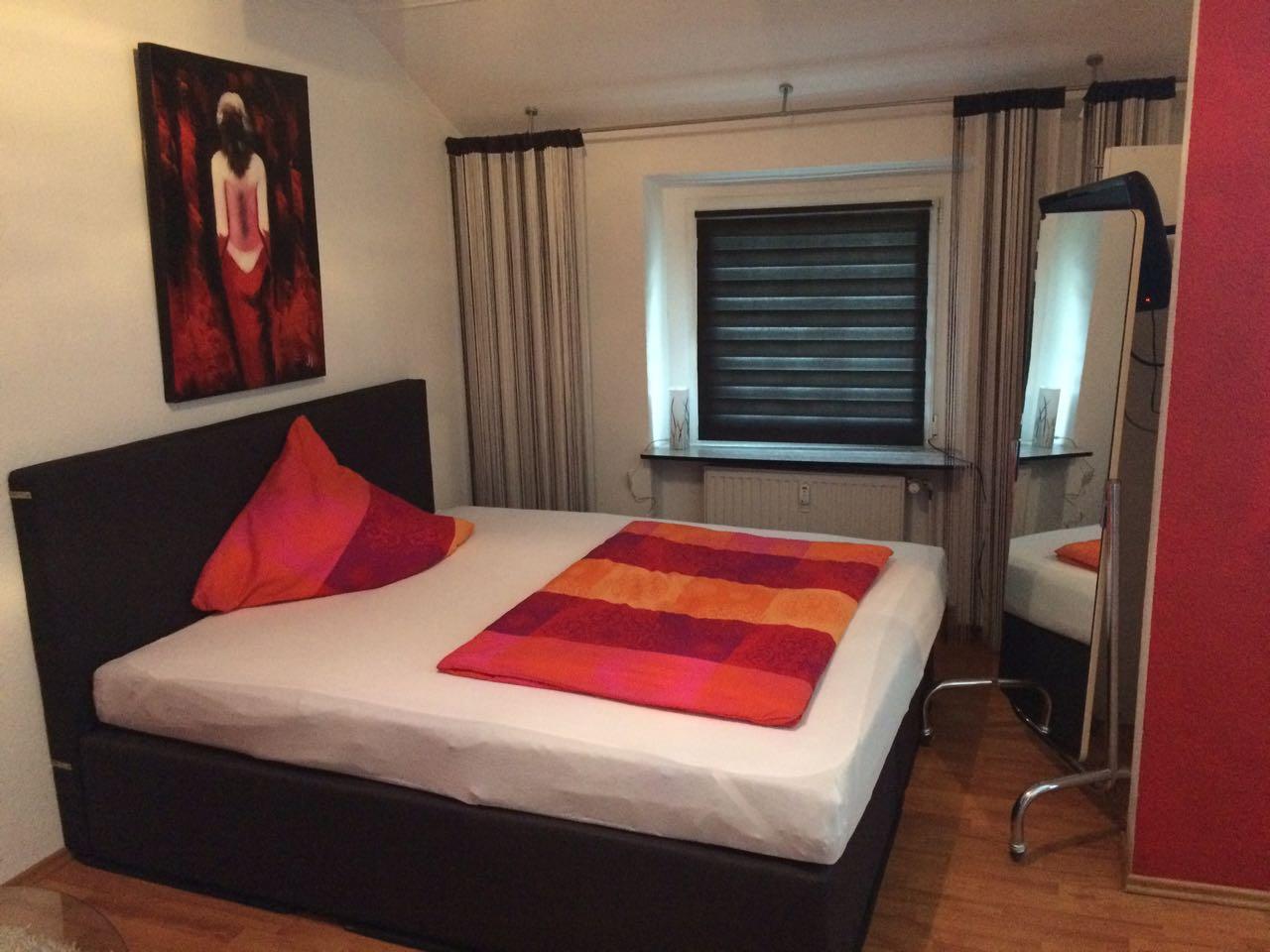 Stundenzimmer 1 - Wuppertal - Stundenhotel-NRW